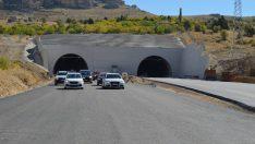 Çalık, Karahan Tünelinde otomobili kullanarak geçti