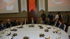 Vali Toprak: Gazi M. Kemal Atatürk'ün yaşayan temsilcilerisiniz