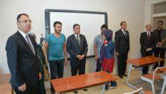 Vali Toprak FETÖ/PDY'den alınan okulu Şehit Ailesi İle Gezdi