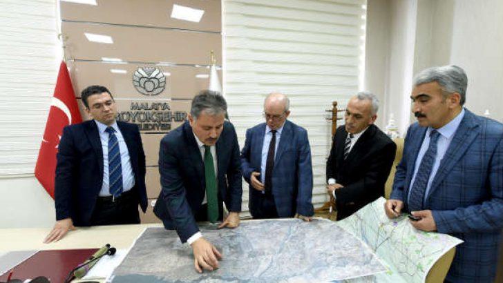Ahmet Çakır, hazırlanan planlamalarla Malatya'nın 50 yıllık geleceğini planladıklarını belirtti.İNŞALLAH