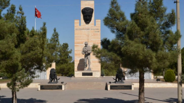 Selahattin Sarıoğlu : Şoför Okulundaki Anıt Şehir Merkezine Taşınsın