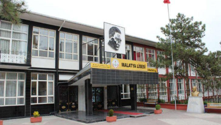 Malatya Lisesi, son 3-4 yıl içerisinde yaptığı yenilikler ve eğitim alanında yakaladığı başarılarla, adından söz ettiriyor.