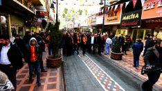 Battalgazi Belediyesi tarafından Şemsiye Sokak'tan sonra yapılan Yeni Malatyaspor Sokağı'nın açılışı yapıldı