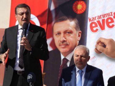 Bakan Tüfenkci, AK Parti Malatya İl Teşkilatı'nın 16 Nisan'da gerçekleştirilecek olan referandum çalışmasına katıldı.