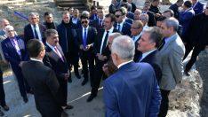 Bülent Tüfenkci, Battalgazi Belediyesi tarafından İspendere İçmeleri'nde sürdürülen çalışmaları yerinde inceledi.