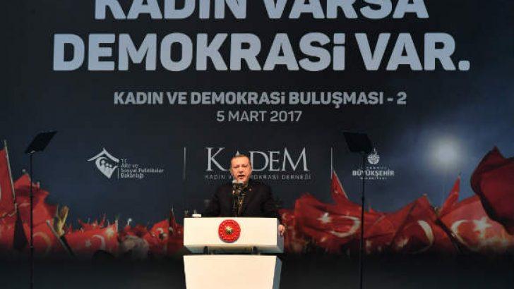 """Kadın ve Demokrasi Derneği (KADEM), '8 Mart Dünya Kadınlar Günü' kapsamında """"Kadın ve Demokrasi Buluşması""""nı düzenledi."""