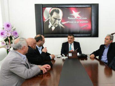 Gürkan, belediye hizmetlerinde muhtarların görüş ve önerilerine büyük önem verdiklerini söyledi.
