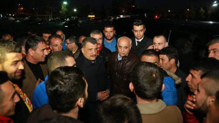 Gürkan taraftarları derbi için İstanbul'a uğurladı.