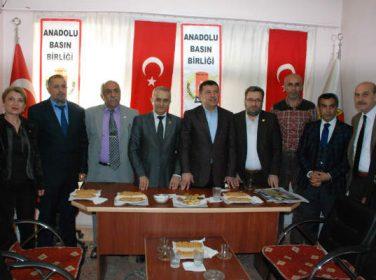 Milletvekili Veli Ağbaba Anadolu Basın Birliğini Ziyaret Etti