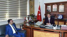 Milliyetçi Hareket Partisi Malatya İl Başkanı Ömer Faruk Kalı, Ahmet Çakır'ı makamında ziyaret etti.