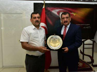 Malatya Çevre ve Şehircilik İl Müdürü Fikret Onhan, Gürkan'ı ziyaret etti.