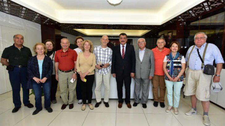 Malatya'ya gelen bir grup Robert Koleji 1967 mezunları, Gürkan'ı ziyaret etti.