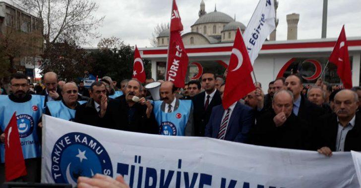 Türkiye Kamu-Sen olarak 400 bin üyemizle, duamızla, varlığımızla, ruhumuzla ve bütün benliğimizle askerimizin yanındayız.