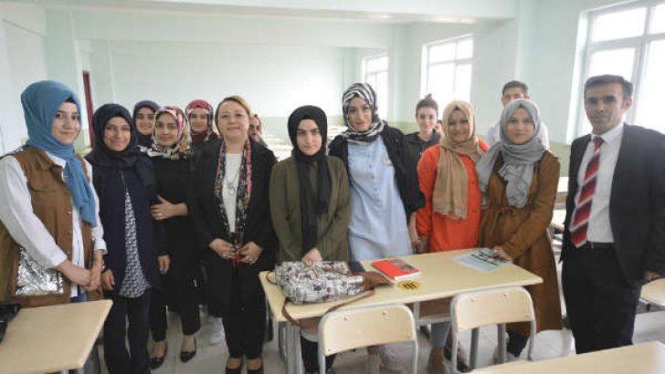 Rektör Prof. Dr. Aysun Bay Karabulut, Arapgir Meslek Yüksekokulu'nda incelemelerde bulundu.