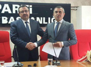 AK Parti'de aday adaylığı süreci .. Bakan, başvuru dosyasını İl Başkanlığına teslim etti