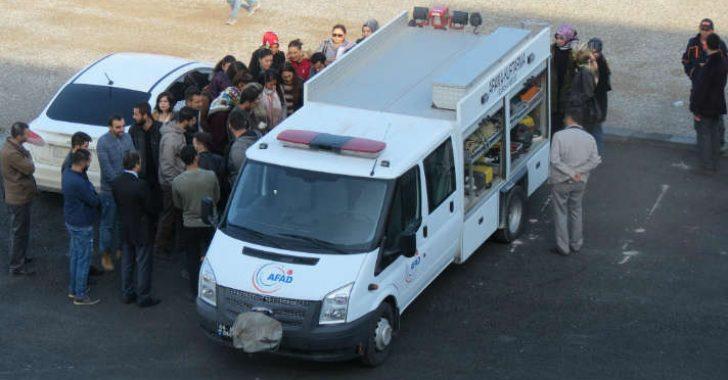 Malatya Turgut Özal Üniversitesi'nde Öğrencilere Deprem Eğitimi Verildi