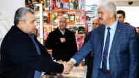 İYİ Parti Battalgazi Belediye Başkan Adayı Ali Ekinci, İpek Caddesinde bulunan Cuma Pazarı esnafını ziyaret etti.