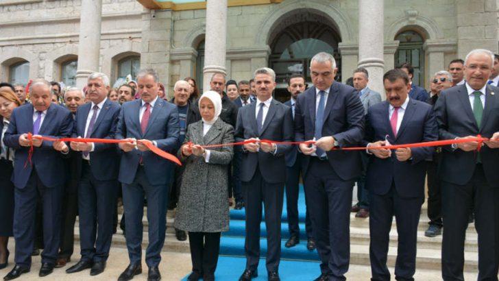 Kent Müzesi ve İspendere Şifalı Suları Geleneksel Tedavi Merkezi'nin açılış töreni yapıldı