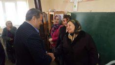 MHP Malatya Milletvekili Mehmet Fendoğlu 31 Mart yerel seçimlerinde Hekimhan'da sandık ziyaretleri gerçekleştirdi.