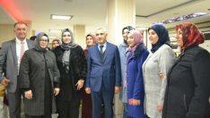 Güder, seçim çalışmaları kapsamında ilk olarak Mimar Sinan ve Aslanbey ve Halep Caddesi esnaflarını ziyaret etti.
