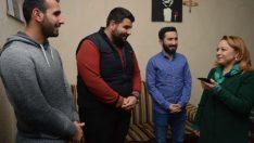 Rektör Karabulut, üniversitede eğitim gören öğrencileri kaldıkları evde sürpriz ziyarette bulundu