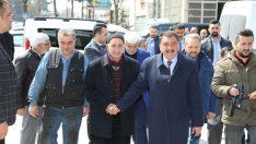 Esnaflar, Gürkan'a büyük ilgi gösterirken, 'desteğimiz sizinle, sizin yanınızdayız' dediler.