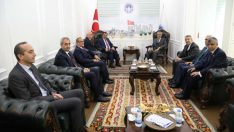Büyükşehir Belediye Başkanı Gürkan, Battalgazi Belediye Başkanı Güder'i Ziyaret Etti