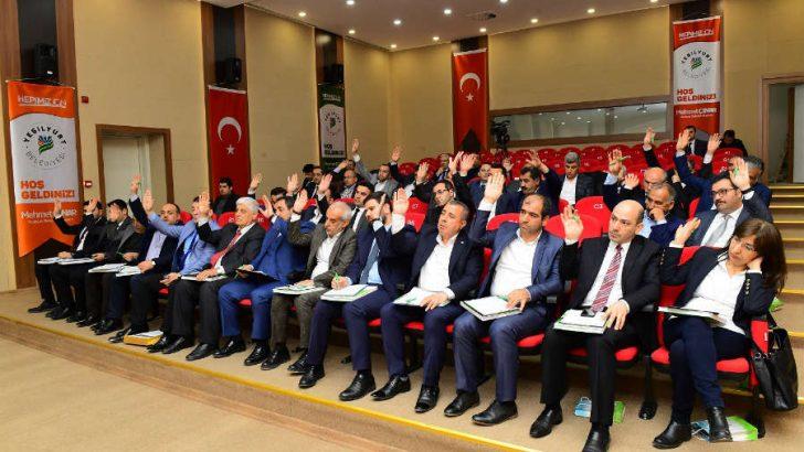 AK Parti Üyeliğinden istifa ederek MHP Üyeliğine geçtiler.