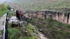 Hekimhan Belediye Başkanı Karadağ, Girmana Kanyonunda İncelemelerde Bulundu.