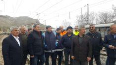 MHP Malatya Milletvekili Mehmet Fendoğlu Hekimhan'da meydana gelen tren kazası hakkında bilgi aldı
