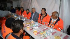 Battalgazi Belediyesi Temizlik personelleri ile sahurda bir araya geldi.