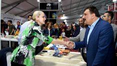 Malatya Büyükşehir Belediye Başkanı Selahattin Gürkan, Kitap Fuarını gezdi