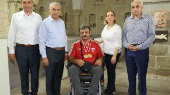 Battalgazi Belediye Başkanı Osman Güder, Gülle ve Disk Atmada 2 Altın Madalya Alan Batı'yı Kutladı