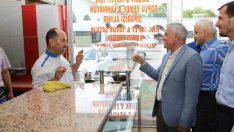 Battalgazi Belediye Başkanı Osman Güder, Doğu Garajında bulunan esnaflarla biraraya geldi.