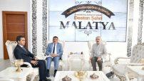 Malatya Büyükşehir Belediye Başkanı Selahattin Gürkan Adli Tıp Kurumu Başkanı Doç.Dr. Yalçın Büyük'ü makamında kabul ederek bir süre görüştü.
