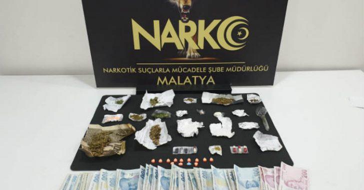 Malatya Emniyeti Narkotik Suçlarla Mücadele Şube Müdürlüğü'nce , Malatya Merkezli 2 İlde Operasyonlar Yapıldı