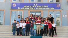 Malatya İl Jandarma Komutanlığı Çocukları unutmadı