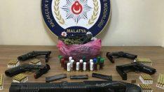Malatya İl Emniyet Müdürlüğü, KOM Şube Müdürlüğünden silah kaçakcılarına büyük darbe