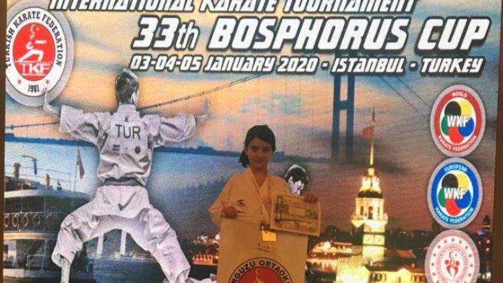 Malatyalı Melike Gülşen'in Karate de Aldığı Başarısı Konuşulmaya Devam Ediyor.