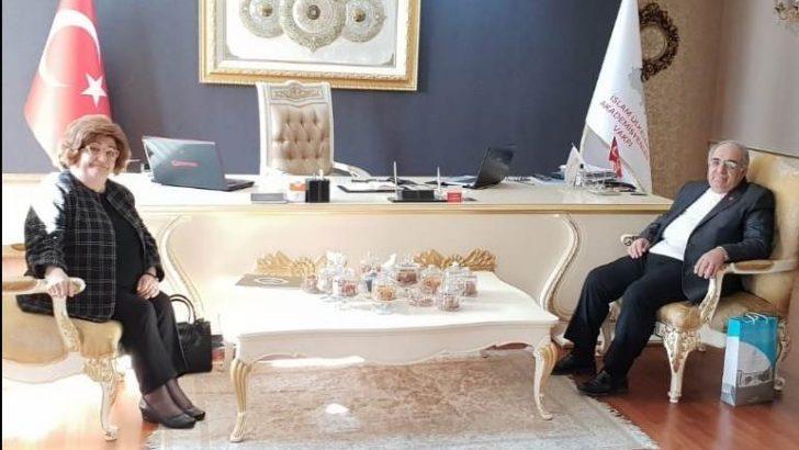 Cumhurbaşkanı Başdanışmanı Akşit, Prof. Dr. Bayram Altan'ı Ziyaret Etti