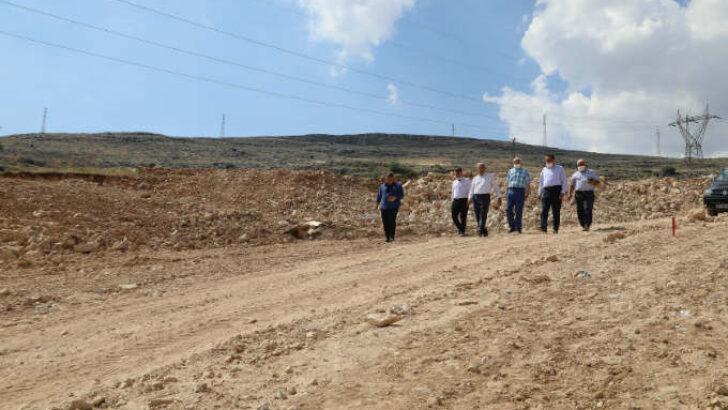 Battalgazi Belediyesi, 3 noktada açılan yeni yollarda da çalışmaları sürdürüyor.
