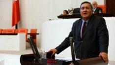 CHP Milletvekili Ömer Fethi Gürer,EYT'lilerinmağduriyetine Bakandan çözüm istedi.