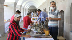 Antika Pazarı, koleksiyoncular ve antika severlerden yoğun ilgi görmeye devam ediyor