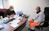 Temizlik İşleri Müdürlüğü'nde görev yapan personellere, genel sağlık taraması gerçekleştiriyor.