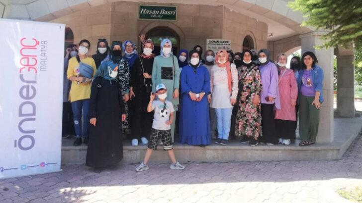 75 imam hatipli öğrenci, proje finalini Battalgazi ilçesinde düzenlenen gezi ile noktaladı.