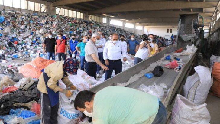 Battalgazi Belediye Başkanı Osman Güder, 2.Organize Sanayi bölgesinde bulunan Geri Dönüşüm Tesisi'ni ziyaret etti.