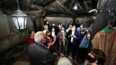 """İmamoğlu, Arapgir'de bulunan Onar Köyü'nde bulunan ve Türkiye'de bilinen en eski Cemevi olan, """"Büyükocak Cemevi""""ni de ziyaret etti."""