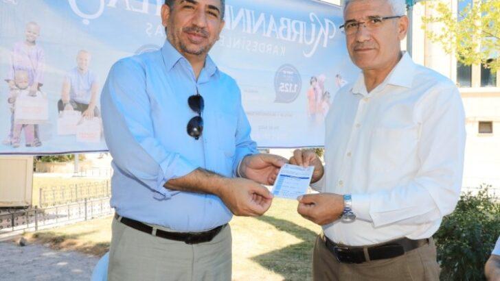 Battalgazi Belediye Başkanı Osman Güder, kurban bağışında bulundu.