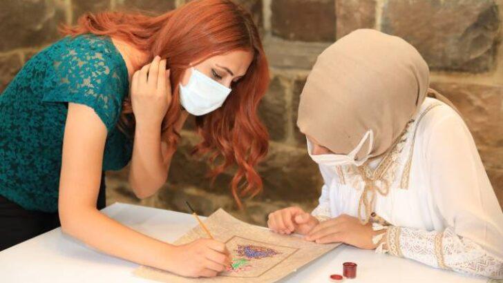 Battalgazi Belediyesi tarafından Tarihi Silahtar Mustafa Paşa Kervansaray'ında ücretsiz olarak açılan kurslar yoğun ilgi görüyor