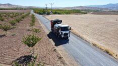 Battalgazi Belediyesi, Yarımcahan Mahallesindeki 6 kilometrelik sathi kaplama yol yapım çalışmalarını tamamladı.